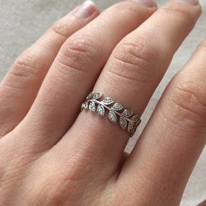 Jewelry - Sterling Silver CZ Leaf Ring
